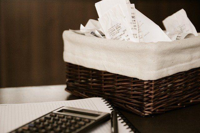 Problemy ze spłatą zobowiązań – jak nie stracić kolejnych pieniędzy?