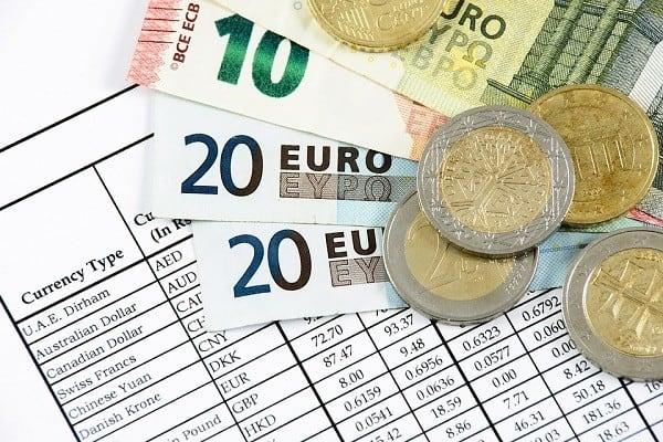 Jak zaoszczędzić wymieniając pieniądze w Rkantor