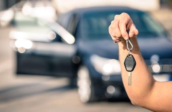Planujesz kupić auto za granicą? Sprawdź, o czym musisz pamiętać!