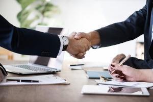 Programy partnerskie i sieci afiliacyjne