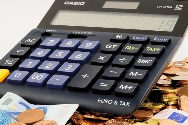 Lokaty czy konta oszczędnościowe? Gdzie opłaca się lokować zaoszczędzone pieniądze?