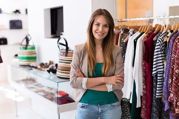 Jak nawiązać współpracę z hurtownią odzieży?